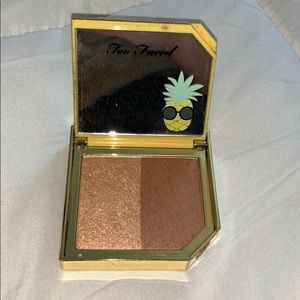 Too Faced Pineapple Strobing Bronzer